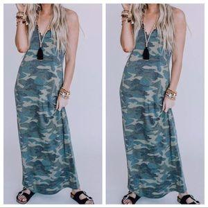 Adjustable straps sleeveless Maxi Dress W/Pockets